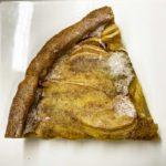 Torta fatta in casa pere e cannella